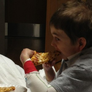 Oxlee eating pizza!